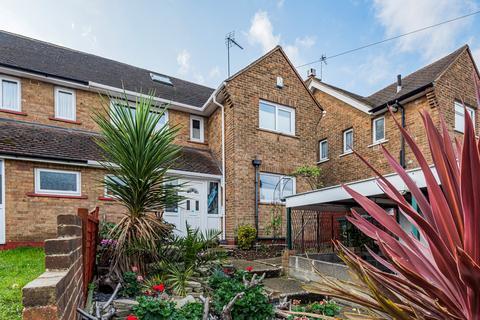 3 bedroom semi-detached house for sale - Cavell Crescent Dartford DA1
