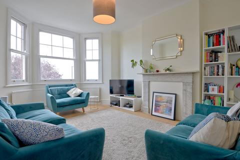 4 bedroom maisonette for sale - Dartmouth Park Hill, London NW5