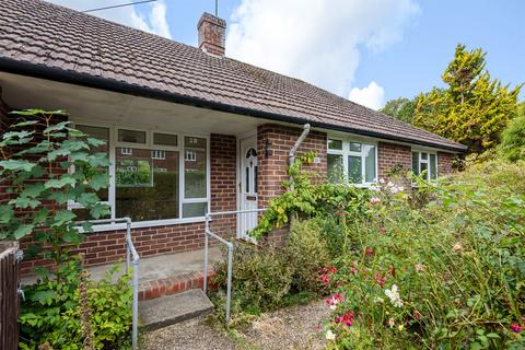 2 bedroom bungalow for sale - Hays Cottages, Steep, Petersfield, GU32