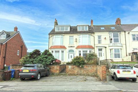 2 bedroom flat for sale - 7 Esplanade, Hornsea