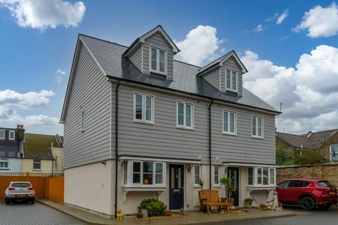 3 bedroom townhouse for sale - The Boat Yard, Ockley Road, Bognor Regis, West Sussex, PO21 2FQ