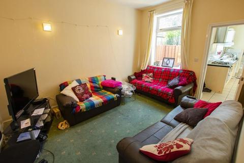 7 bedroom terraced house to rent - Heeley Road, B29
