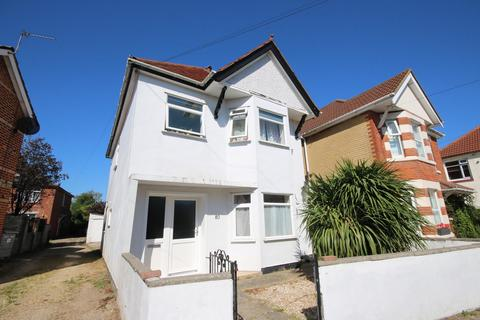 5 bedroom detached house to rent - Cardigan Road BOURNEMOUTH