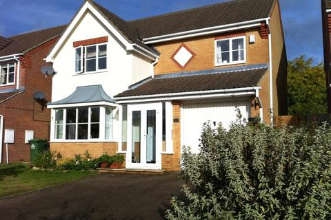 4 bedroom detached house to rent - Bloomfield Road, Cheshunt, Waltham Cross