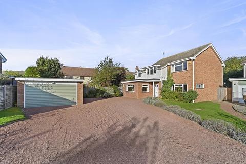 4 bedroom detached house for sale - Bannister Green, Felsted, CM6 3NP