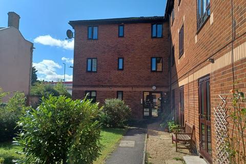 1 bedroom ground floor flat to rent - Buttons Yard, Warminster