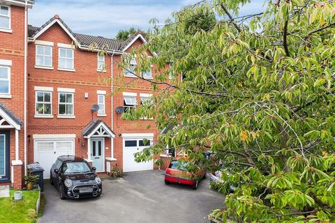 3 bedroom townhouse for sale - Elvington Close, Congleton