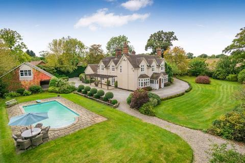 5 bedroom detached house for sale - MIckle Trafford, Nr Chester - Cheshire Lamont Property Ref 3441