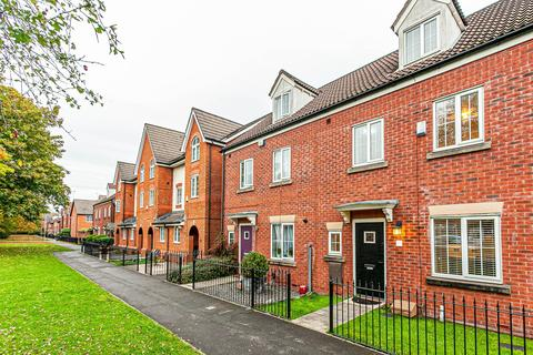 4 bedroom townhouse to rent - Kendal Road, Stretford, Manchester, M32