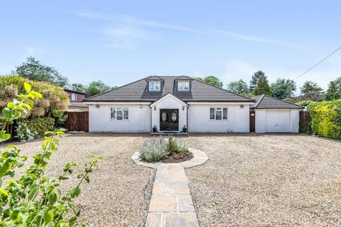6 bedroom detached house for sale - Frays Avenue, West Drayton, UB7