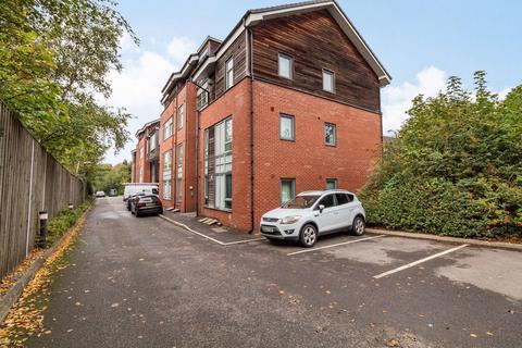 3 bedroom penthouse for sale - Wellington Road, Eccles, Manchester, M30