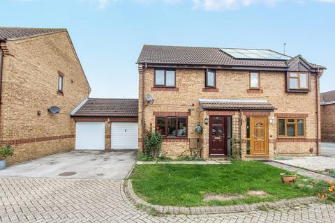 3 bedroom semi-detached house for sale - Haycroft, Wootton, Bedford, MK43