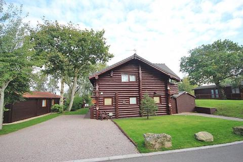 3 bedroom detached house for sale - TATTERSHALL LAKES, TATTERSHALL