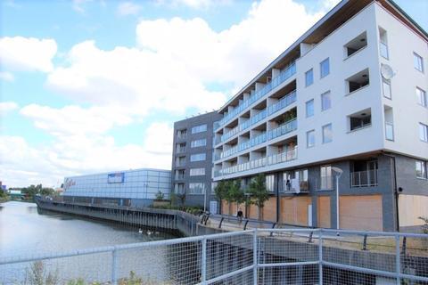 2 bedroom apartment to rent - Highbridge Road, Barking