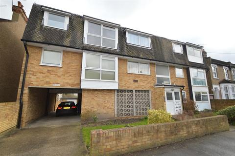2 bedroom ground floor flat for sale - Malmesbury Road, South Woodford E18