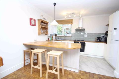 2 bedroom flat to rent - Seymour Road, London