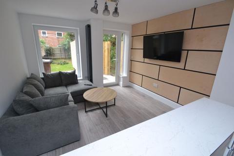 5 bedroom house to rent - Claude Street, NG7 - UON - QMC