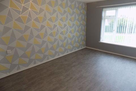 2 bedroom flat to rent - Tudno Place, Penlan
