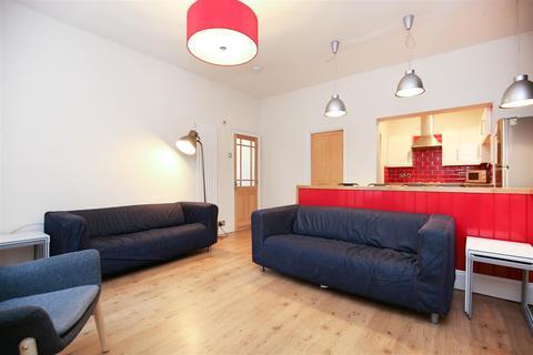 4 bedroom apartment to rent - Falmouth Road, Heaton, NE6