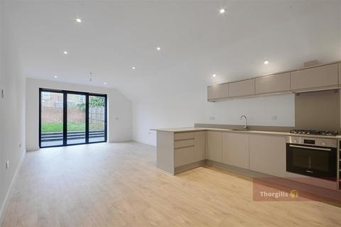 3 bedroom terraced house for sale - Whitestile Road, Brentford