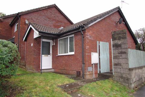 2 bedroom bungalow to rent - Hazeldene Avenue, Brackla, Bridgend, CF31 2JW