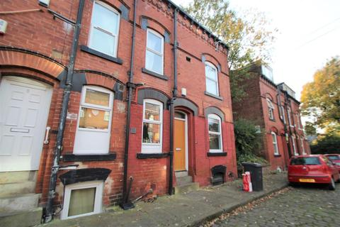 3 bedroom terraced house to rent - Granby Terrace, Headingley, LS6 3BB