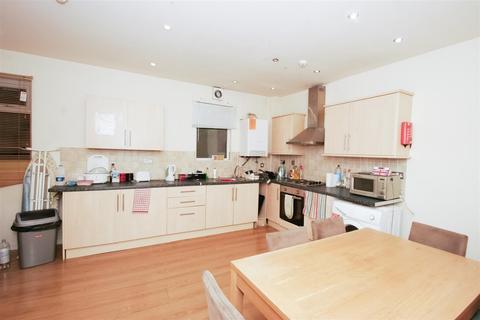 5 bedroom terraced house to rent - Headingley Avenue, Headingley, Leeds, LS6 3EP