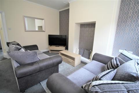 5 bedroom terraced house to rent - Headingley Avenue, Headingley, Leeds, LS6 3ER