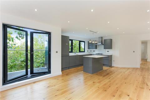 2 bedroom flat for sale - Higgins House, St James Road, London, SE1