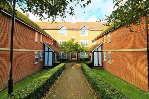 2 bedroom ground floor maisonette for sale - St. Johns Road, East Grinstead, West Sussex. RH19 3LB