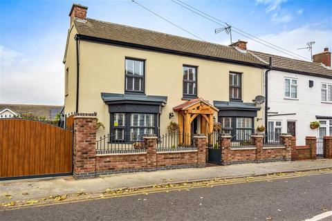 3 bedroom semi-detached house for sale - High Street, Sutton-on-Sea, Lincs.