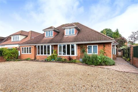5 bedroom bungalow for sale - Weybourne Road, Farnham, Surrey, GU9