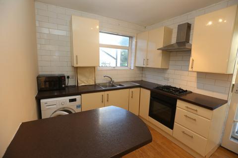 2 bedroom maisonette to rent - Elm Avenue, HA4