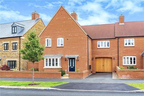 4 bedroom semi-detached house for sale - Juno Crescent, Brackley