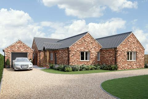 4 bedroom bungalow for sale - Dereham Road, Garvestone, Norwich, NR9