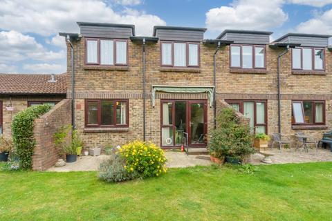 1 bedroom ground floor flat for sale - Garden Lodge, Pagham Road, Bognor Regis, West Sussex, PO21 3TG