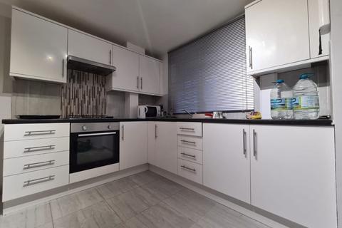 Studio to rent - Ashbourne Court , E5