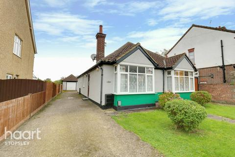 6 bedroom detached bungalow for sale - Lothair Road, LUTON