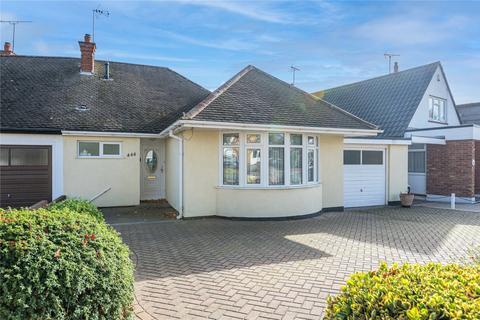 2 bedroom bungalow for sale - Woodgrange Drive, Thorpe Bay, SS1