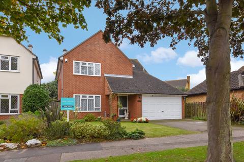 4 bedroom detached house for sale - Appledore, * Bournes Green Catchment *, Shoeburyness, Essex, SS3