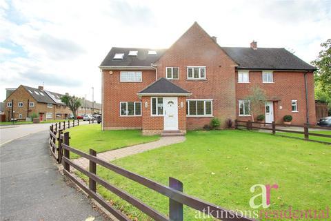 5 bedroom semi-detached house for sale - Rendlesham Road, Enfield, EN2