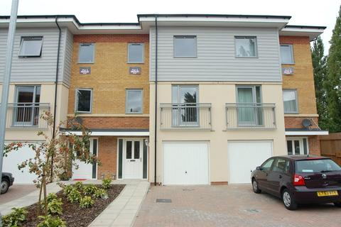 4 bedroom townhouse to rent - Millicent Grove, London, N13