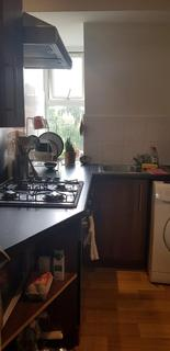 Studio to rent - Roman Road, Bethnal Green, E2