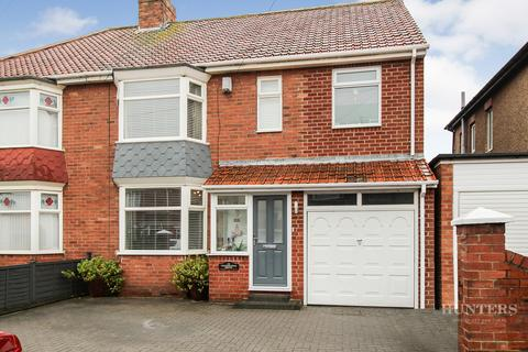 4 bedroom terraced house for sale - Wearmouth Drive, Sunderland, Tyne and Wear