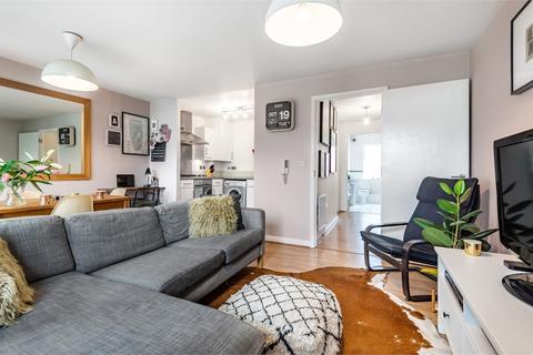 1 bedroom flat for sale - Holst House, Du Cane Road, London