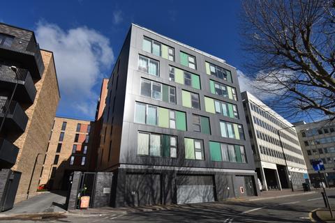 2 bedroom flat to rent - Bunton Street London SE18