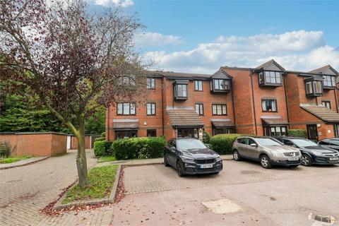 2 bedroom flat to rent - Gladbeck Way, Enfield, Middx