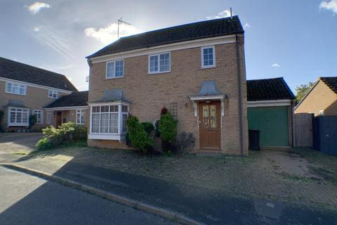 4 bedroom detached house for sale - Isinglass Close, Newmarket