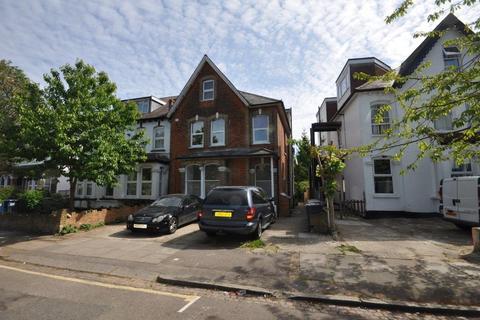 2 bedroom flat to rent - Sunningfields Road