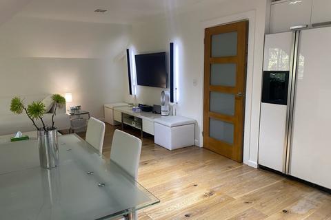 2 bedroom apartment to rent - Cavendish Court, Oakhill Close, Birmingham B17 8DE